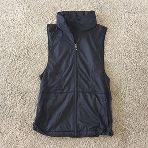 lululemon Black Vest *New without Tag size 2 or 4